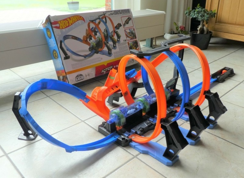 Hot Wheels Kurkentrekker Crash looping met doos