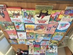 28 verschillende boeken