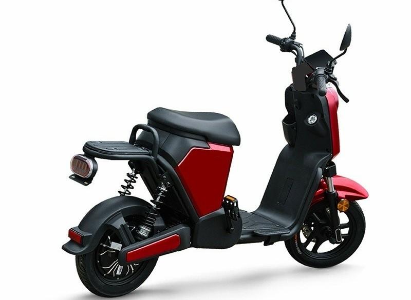 E-scooter 995,- voor dagelijks gebruik actieradius 50-70km*