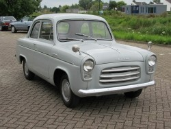 Ford Anglia de luxe 1957 in patina staat