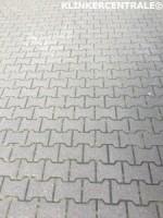 20177 ROOIKORTING 800m2 grijs betonklinkers H-klinkers stra…