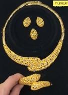 Goud en edelsteen sieraden