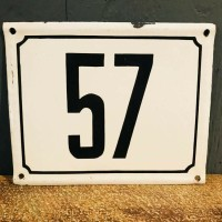 Emaille bord nummer 57