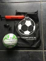 Mini  Voetbal Bal: Kleine voetbal aan een koord voor eindel…