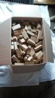 Rookhout eiken 20 kilo kleine blokjes 20 kilo. 12.50euro