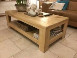 Massief houten salontafel met onderblad