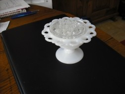 Vintage Pique Fleurs,Bloemsteker),1/2 opalineglas,(adv120