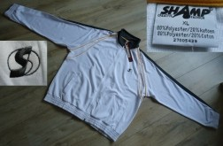 Te koop nieuw wit trainingsjack van Shamp (maat: XL).