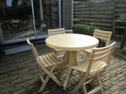 Tuinst Tafel en 4 stoelen