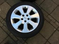 Lichtmetalen velgen 17 inch Opel met banden mooie set!