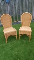 2 rieten stoelen in goede staat voor 30 euro