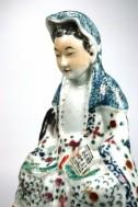 Antieke Famille-Rose Kwan Yin