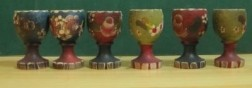 6 houten handbeschilderde eierdopjes