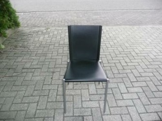 te koop 2 showroom model stoelen
