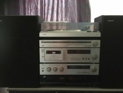 Philips stereo set + sansui cd speler.