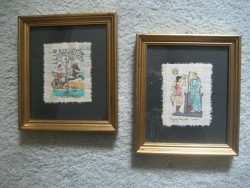 Oude handgeweven doekjes in lijst