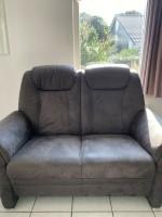 2 Sofas (Zo goed als nieuw)