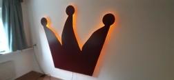 Wandlamp kroon 177cm hoog en 208cm breed