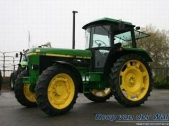 John Deere 3050