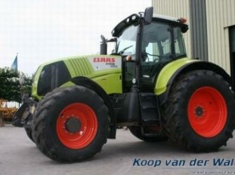 Claas/Renault Axion 820