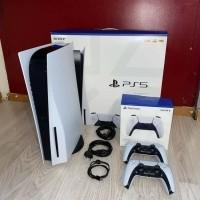 PlayStation 5 disc-versie met 2 controllers en 5 spellen