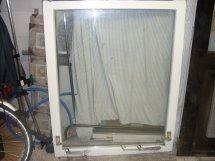 2x raamkozijn met thermopeen glas