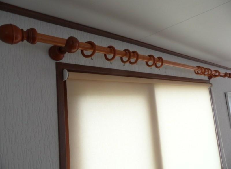 gordijn roede en ringen houten