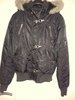 Nette winterjas met bontkraag. Maat 40 (M) , zwart