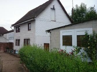 D593 Rustikaal gelegen vrijstaand huis