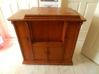 te koop: antiek naaimachine meubel