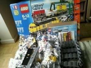 Lego gele goederentrein