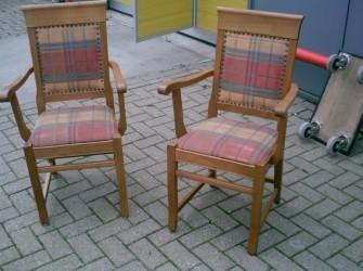 2 stoelen