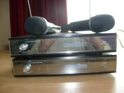 2 draadloze microfoon's