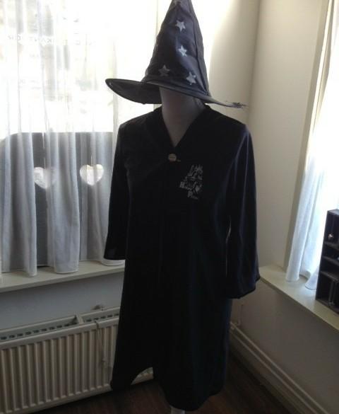 Tovenaars hoed en cape maat 140-152