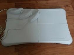 Wii Fit Board + Wii Joysticks
