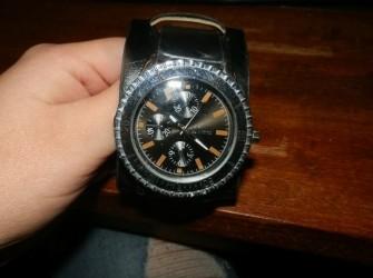Horloge zwart nieuw Pandjeshuis Harlingen Friesland