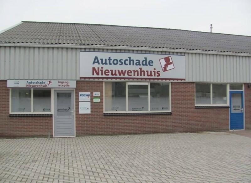 Autoschade Nieuwenhuis, uw autospuiterij van Drenthe