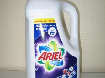 Ariel waspoeder White of Color vloeibaar.