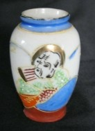 Miniatuur chinees/japans satsuma vaasje,gaaf, 65 mm hoog