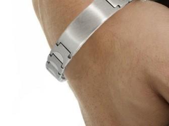 Therapie met magneet armbanden/pijnbestrijding