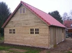Dubbelwandige beton hout combinatie loods