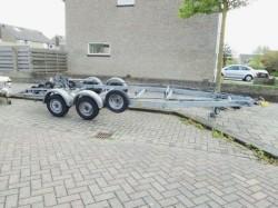 Weg / Stallingstrailer voor Motorboot of zeilboot TE HUUR