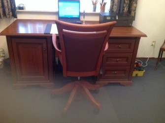 Te koop mooi bureau met verstelbare stoel