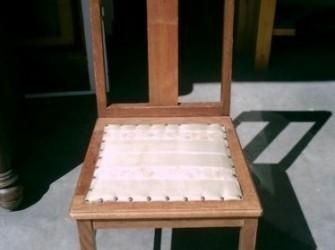 mooi antiek stoeltje Pandjeshuis