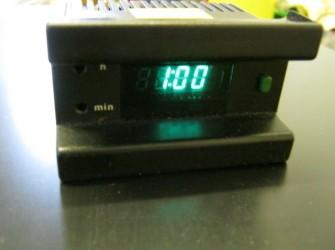 B en W dashboardklokje,quartz digitaal,Borg,goede staat