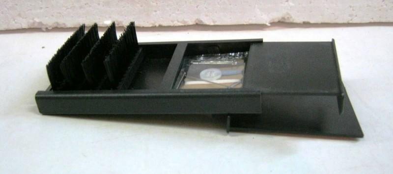 inklapbare kledingborstel/naaiset in cassette, nieuw