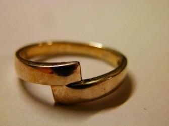 zilveren ring overlopend Pandjeshuis Harlingen