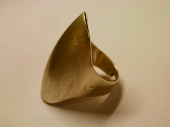 Ovale zilveren ring Pandjeshuis Harlingen Friesland