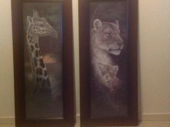 Twee schilderijen.